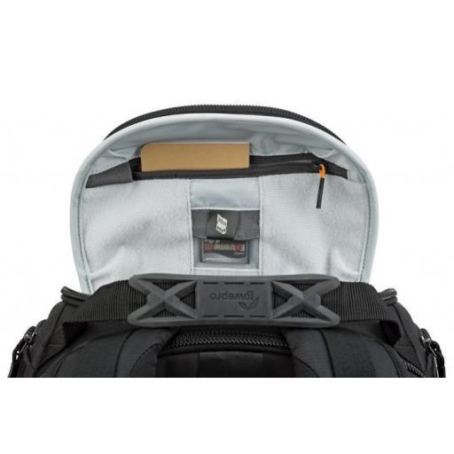 camera-backpack-protactic-bp-350-ii-aw-lp37176-innerpocket-rgb.jpg