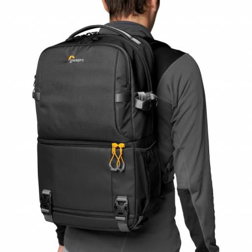 camera-backpack-lowepro-fastpack-bp-250-aw-iii-lp37333-pww-onbody-rgb.jpg