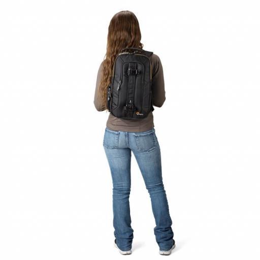 camera-sling-bags-slingshot-edge150-onback-sq-lp36898-pww.jpg