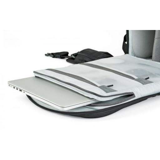 camera-backpack-protactic-bp-450-ii-aw-lp37177-laptop-rgb.jpg