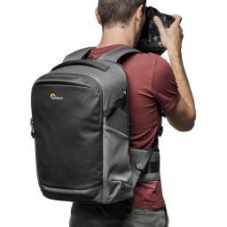 camera-backpack-lowepro--flipside-iii-lp37353-pww-use.jpg