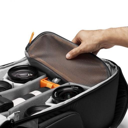 camera-backpack-lowepro--flipside-iii-pouch.jpg